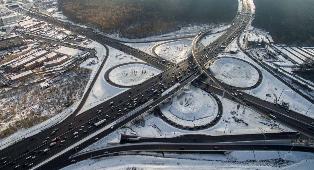 莫斯科市长称计划今后五年每年建设100公里的新公路