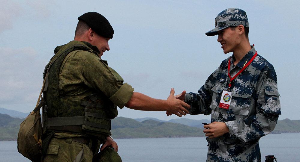 中国国防部:2019年中俄将确保两军关系持续高位运行