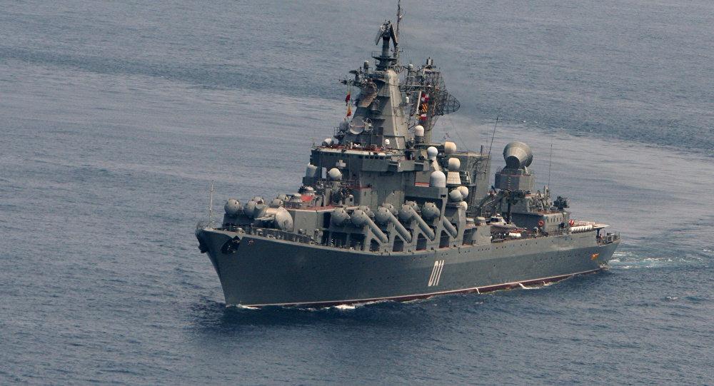 """以""""瓦良格""""号巡洋舰为首的俄太平洋舰队舰艇支队抵达中国参加军演"""