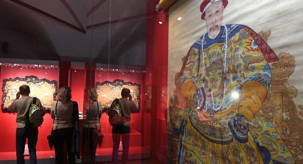 莫斯科克宫博物馆举办的中国故宫博物院藏珍品展共接待超过12万人