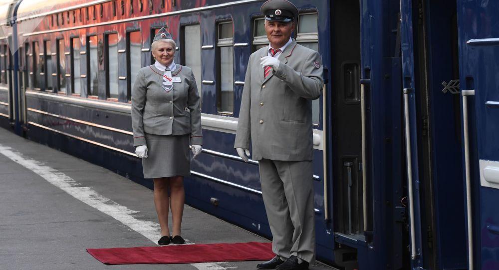 今年已有超过8.5万中国游客乘坐莫斯科往返与圣彼得堡之间的列车
