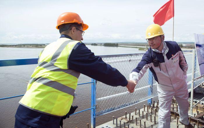 俄中跨阿穆尔河大桥布拉戈维申斯克段完工