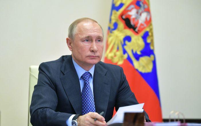 普京:经各种渠道从中国运入俄罗斯的口罩已达1.5亿个