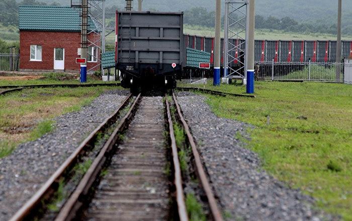 媒体:由100节集装箱车厢组成的列车自大连驶向加里宁格勒