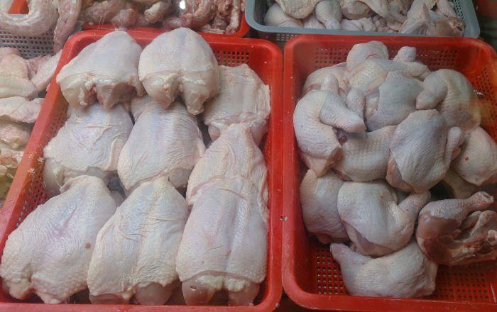 俄罗斯用冷藏集装箱经铁路向中国发运首批冷冻鸡肉